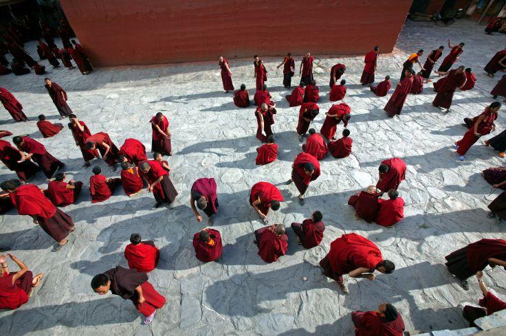Joutes oratoire au Monastère de Dzongsar - Tibet