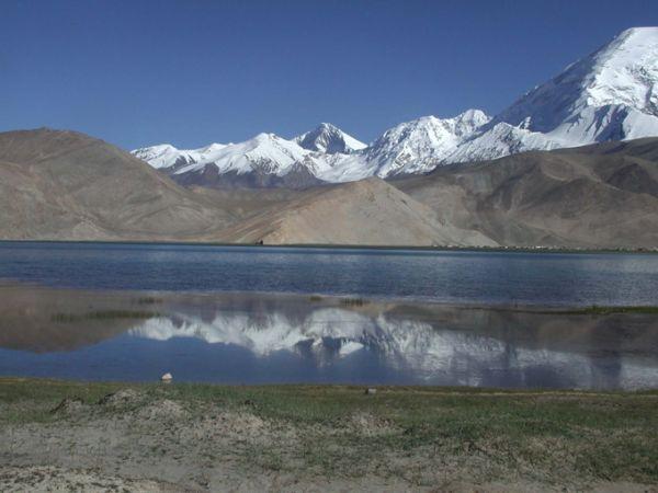 Sur Mesure au Kirghizistan : Montagnes et coupoles sur la route de la Soie