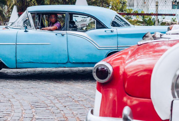 Historique ! De La Havane à Manhattan - Deux villes percutantes