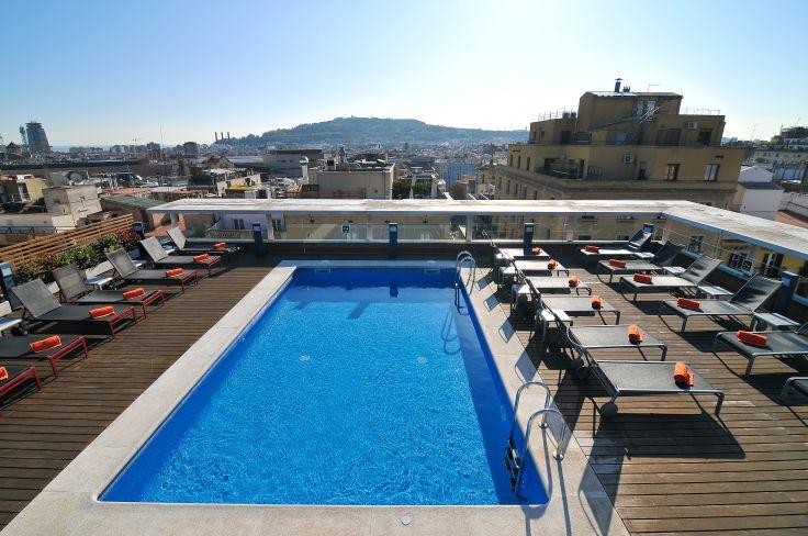 Echappée design à Barcelone- Gaudí, guide privé & piscine rooftop