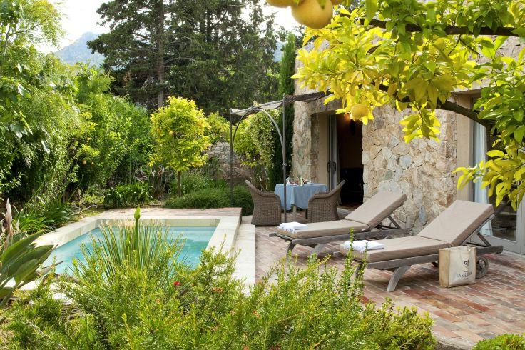 Voyage calvi porto vecchio en h tels d 39 exception for Villa du jardin sentosa