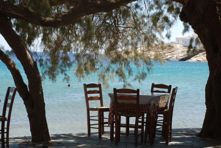 Restaurant Lebessis sur la plage d'Apokoftou - Sifnos - Grèce