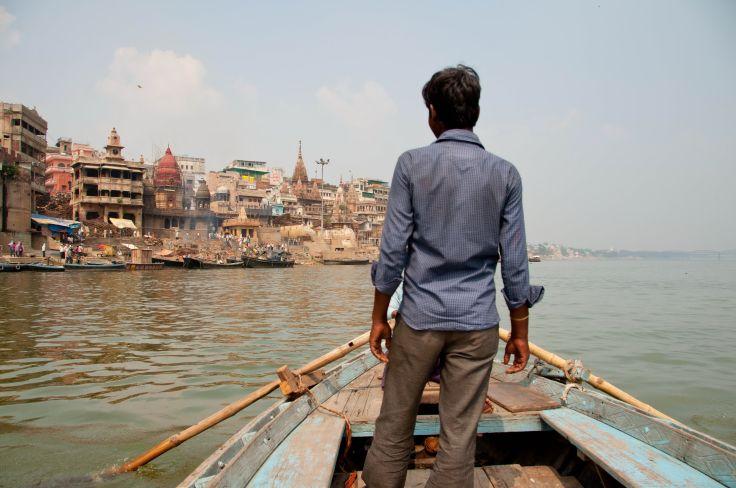 Barque sur le Gange à Varanasi - Etat de l'Uttar Pradesh - Inde