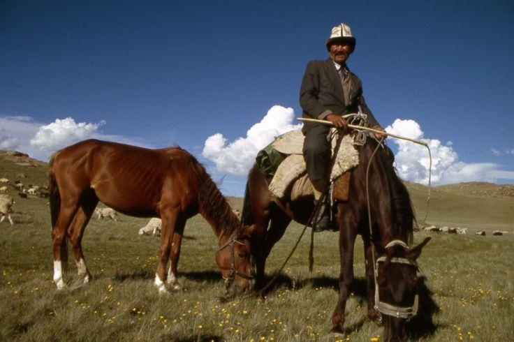 Sur Mesure au Kirghizistan : Rencontres nomades sous la yourte.