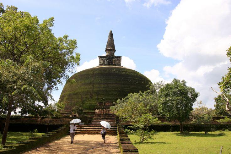 Rankot Vihara - Polonnaruwa - Sri Lanka