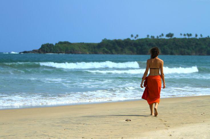 sri lanka topless beaches