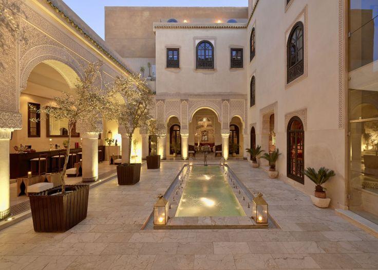 sejour charme et luxe riad fes au maroc voyageurs du monde. Black Bedroom Furniture Sets. Home Design Ideas