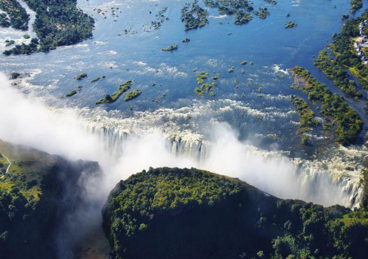 Très Voyage de Zambie au lac Malawi, Chutes Victoria, safari & plage de  RN49