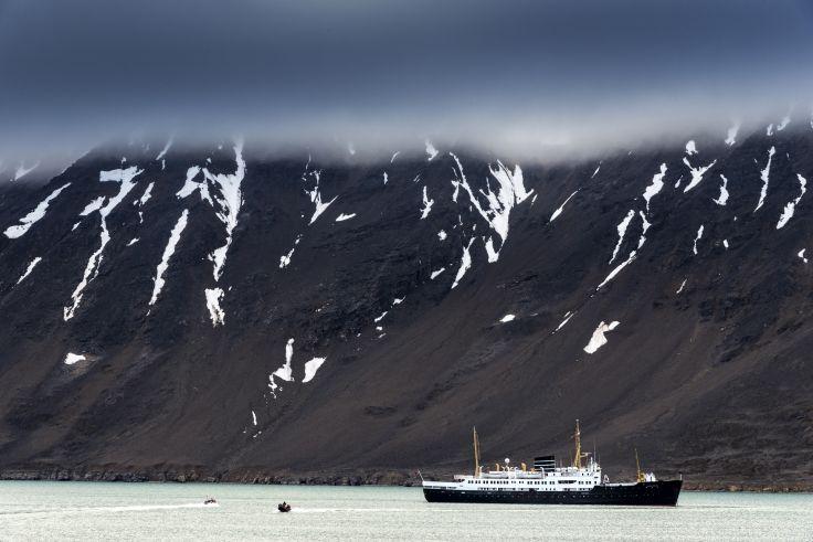 Spitzberg & île Blanche - A bord du Plancius avec Yann Queffélec