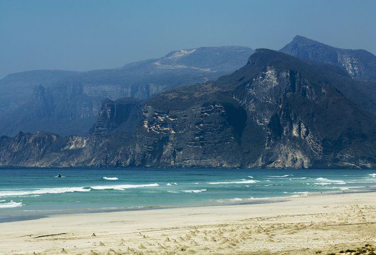 La côte du Dhofar vers Al Mughsayl - Oman
