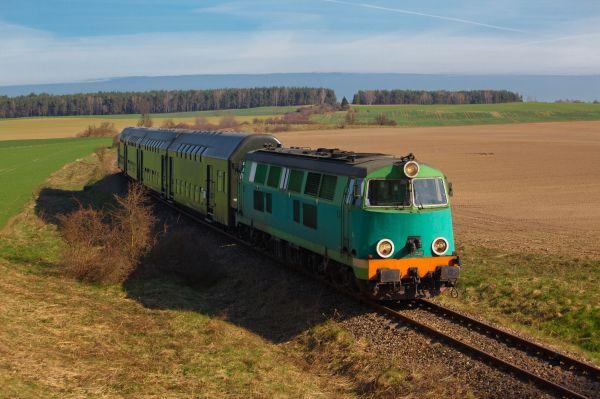 De ville en ville - La Pologne en train