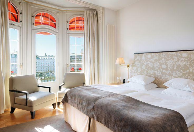 voyage en demeures de charme chic nature en su de voyageurs du monde. Black Bedroom Furniture Sets. Home Design Ideas