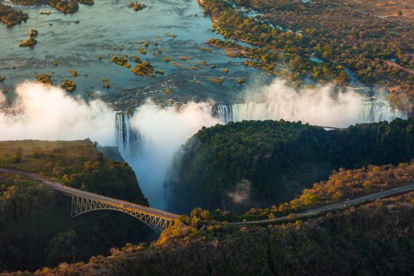 Du Cap à Victoria Falls - Train de légende & hôtels historiques
