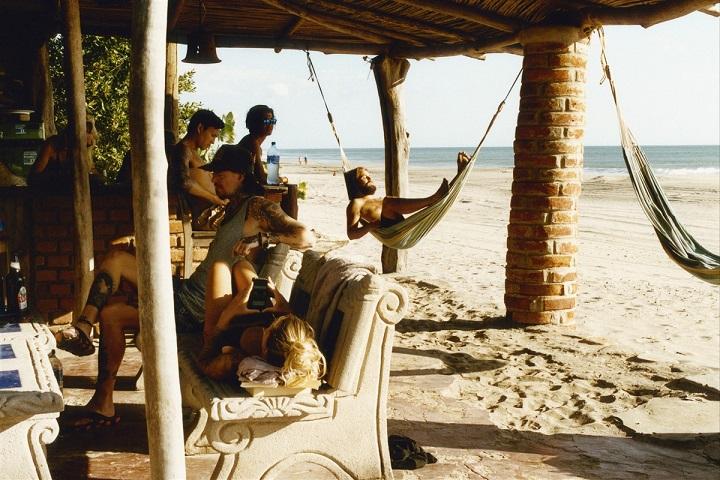 Amis sur une plage du Nicaragua