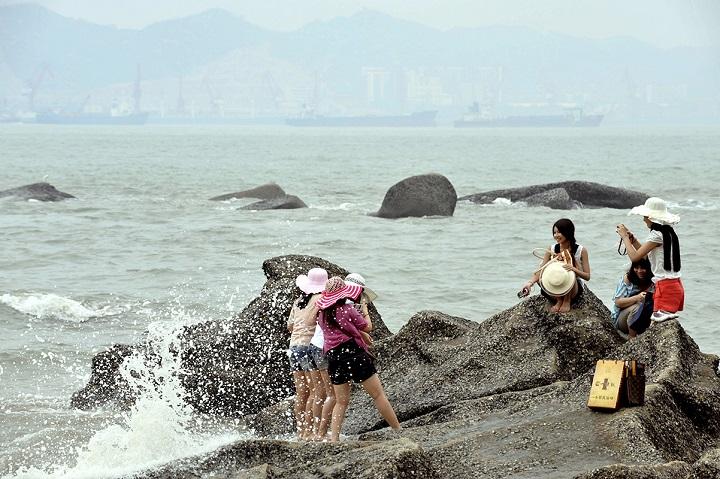 Chinois au bord de l'eau