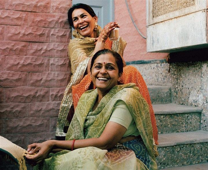 femmes indiennes qui rient